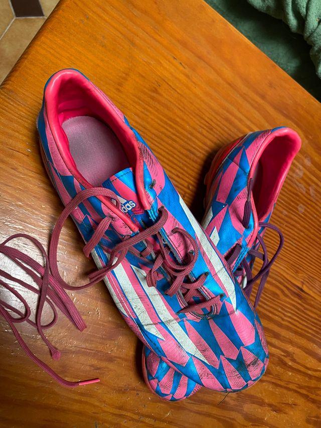 Botas de fútbol talla 44   Adidas f10