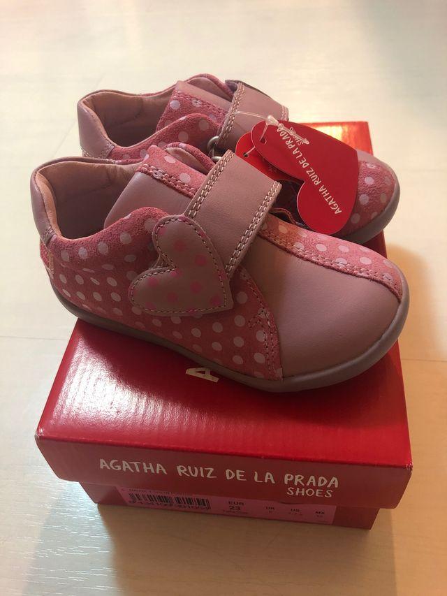 Botitas de piel marca Ágatha Ruiz de la Prada
