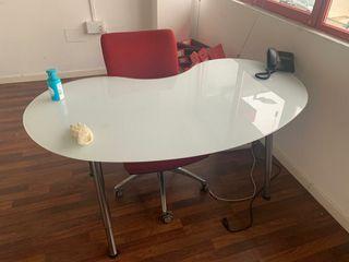 Mesa de oficina // Escritorio