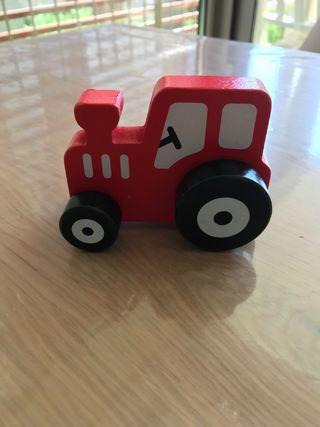 Tractor de madera nuevo
