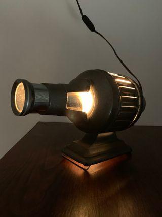 Antigua lámpara metálica. Años 50