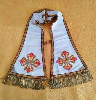 Ornamento sacerdotal: manípulo