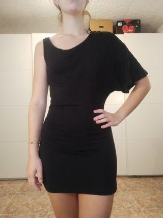 Vestido negro de una manga