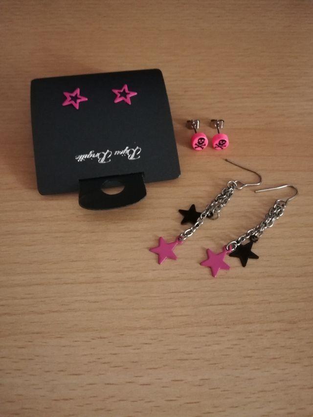 pendientes negro rosas estrellas calavera punk