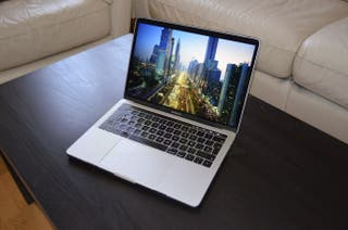 MacBook Pro 13 2019 2,8 GHz i7 16GB RAM 256 SSD