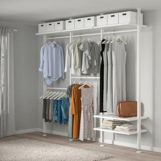 Barras regulables y baldas para crear tu vestidor