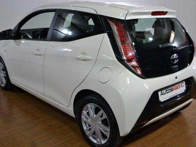Toyota Aygo 1.0 70 x-play