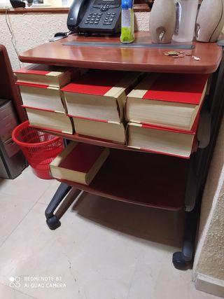 Mesa auxiliar oficina impresora