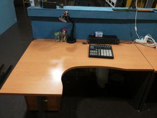 Mesa de escritorio oficina