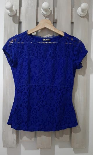 Blusa de encaje azul de Studio F