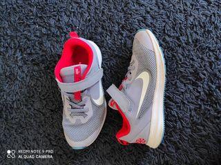 Zapatillas zapatos niña deportivas Nike talla 33