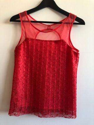 Blusa roja de encaje