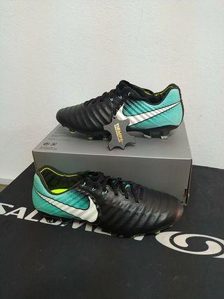 botas de futbol nike tiempo legend VII talla 40
