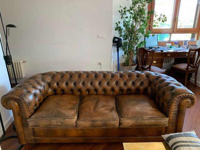 Sofá cama Chesterfield de piel