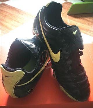 Botas de fútbol Cuero Nike Talla 35. 5