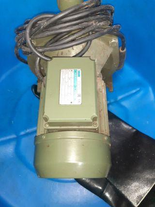 bomba de agua SAER
