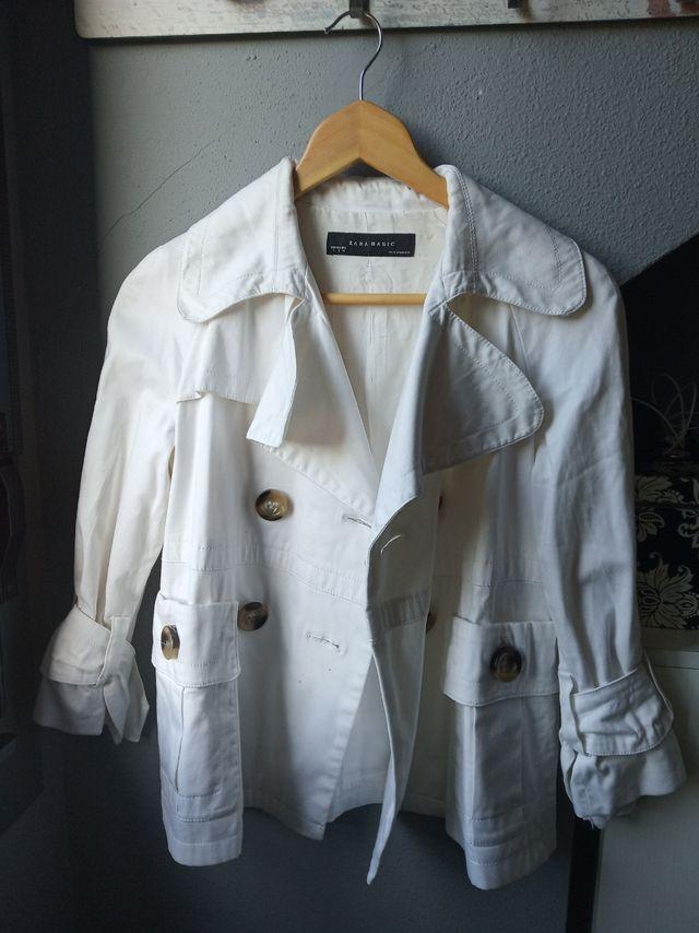 chaqueta blanca