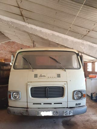 CAMION AVIA 2500 AVIA 2500 CON VOLQUETE - BASCULANTE 1980