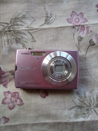 cámara de fotos rosa Casio