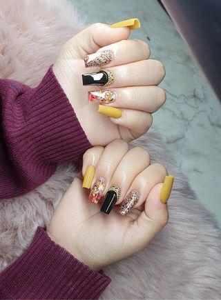 Manicura uñas porcelana y permanente
