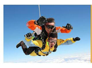 salto de paracaídas en tandem