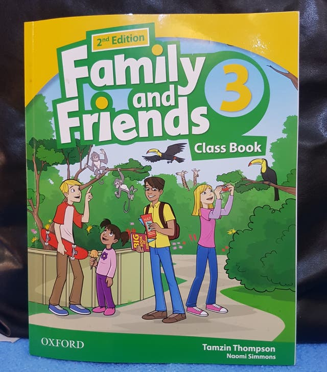 LIBRO FAMILY AND FRENDS.