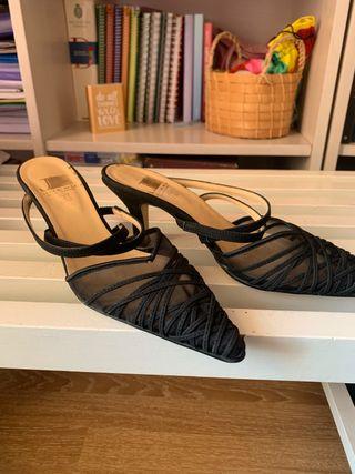 Zapatos de tacón punta negro