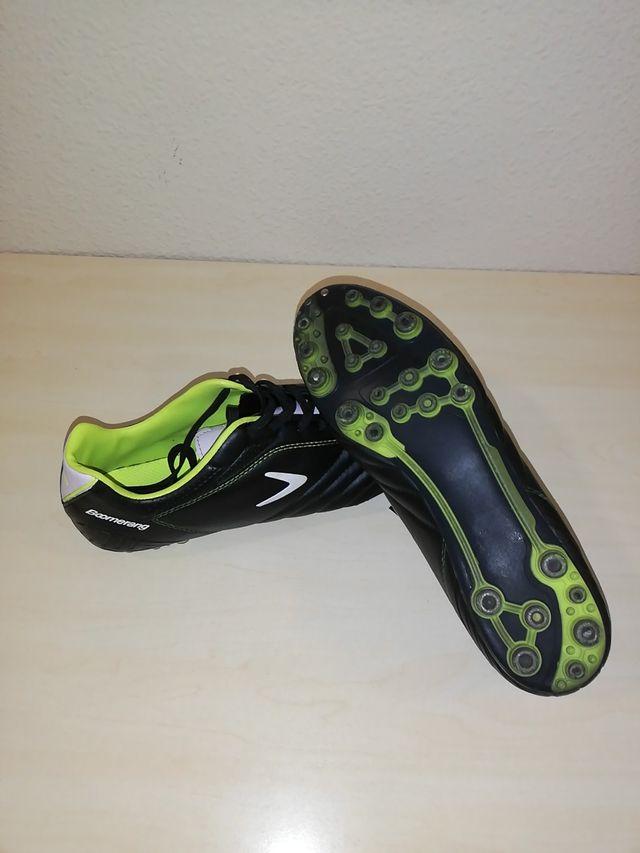 Botas de fútbol. Talla 43