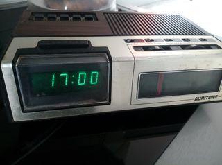 radio reloj despertador antiguo
