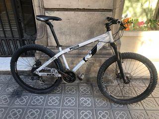 Bicicleta de montaña rígida