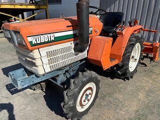 Tractor de ocasión barato Kubota B1502DT