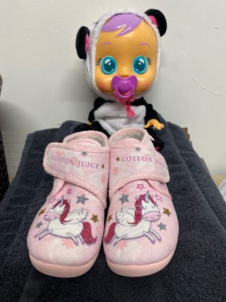 Pack zapatos unicornio talla 32 y Bebé Lloron pand