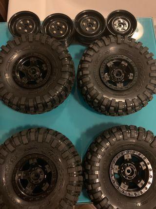 Ruedas y neumáticos originales Traxxas TRX4