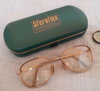 Gafas vintage. Atrezzo o decoración.