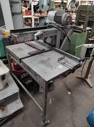 Sierra de mesa para metal. 380v