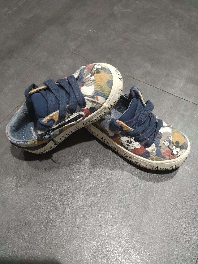 zapatillas tela Mickey