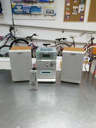 CADENA DE SONIDO RADIO - CD - CASSETTE SONY
