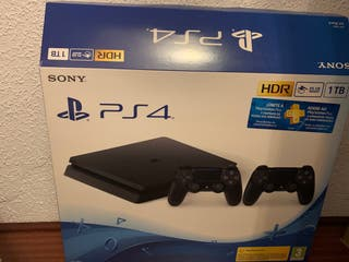 PS4 slim 1Tb + 2 mandos originales