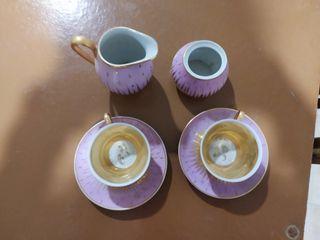 jugo de tazas antiguas