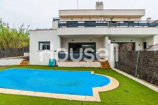 Casa en venta de 407 m² en Calle Eluseu Meifren i