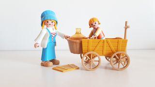 Playmobil Aguadora medieval con carretilla Belén