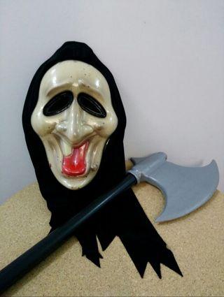 Máscara y hacha para disfraz