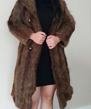 Abrigo largo piel de nutria auténtico