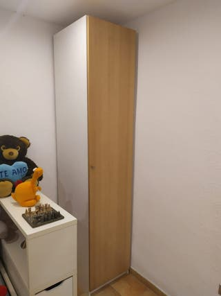 armario, medidas 235x50x60 cm, buen estado