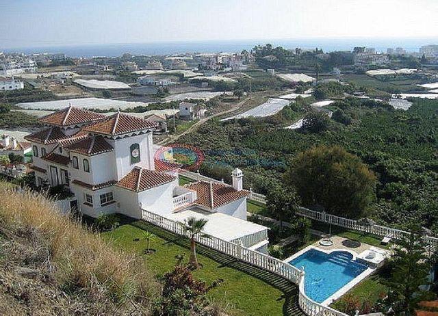 Villa en venta en El Peñoncillo en Torrox (El Peñoncillo, Málaga)