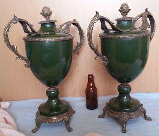 Jarrones en bronce y cerámica. Pareja. Años 70.