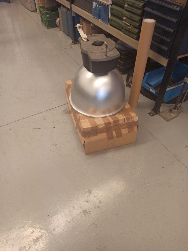 lampara para nave