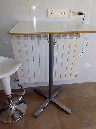 mesa alta con taburete giratorio y elevable