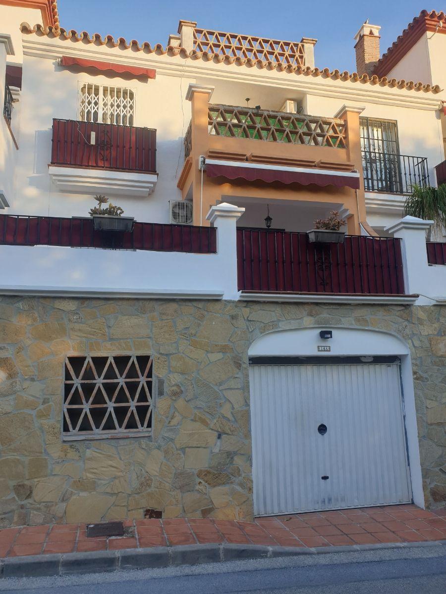 ¡¡¡Chalet adosado de alquiler de larga.T en nerja en urb aljamar!!! (Nerja, Málaga)