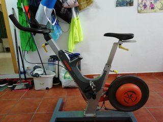 Bicicleta de spinning Keiser